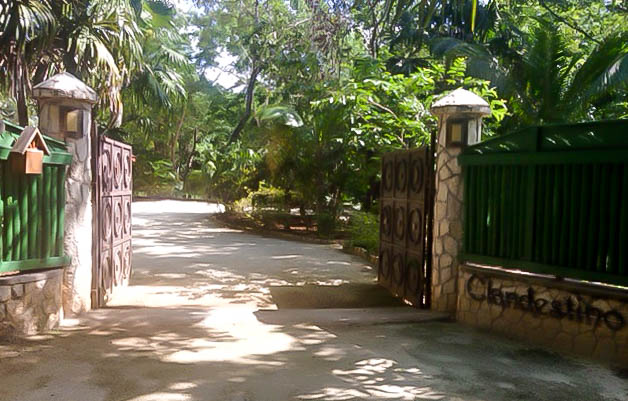 Entrance to Cladestino at the Caves, Negril