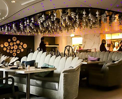 Wonderland Bar Harmony of the Seas